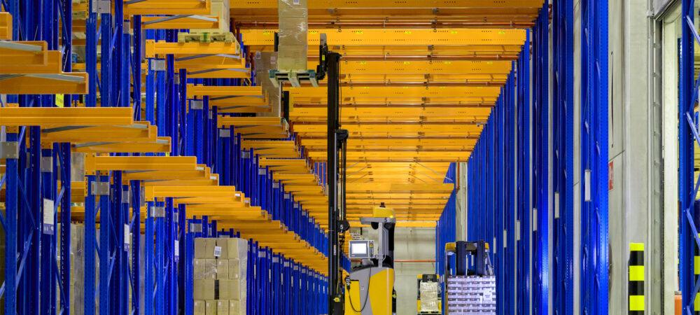 Dematic automatiseert nieuwe magazijn van Yusen Logistics in België